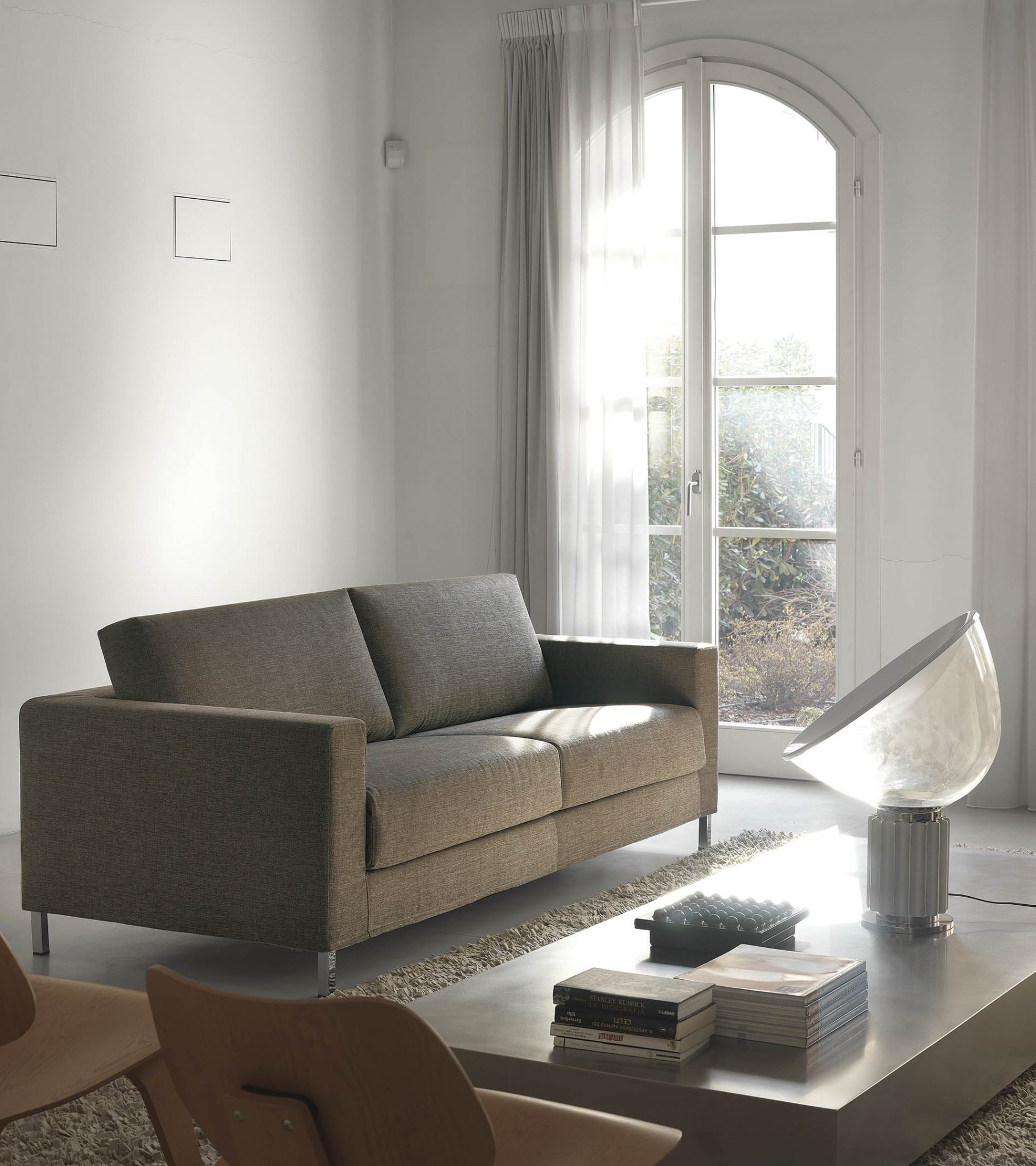 james. Black Bedroom Furniture Sets. Home Design Ideas
