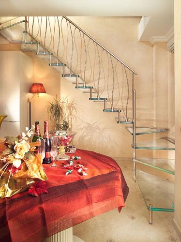 freitragende treppen aus glas. Black Bedroom Furniture Sets. Home Design Ideas