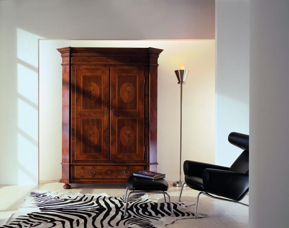 Intarsien verleihen Möbeln eine ganz besondere Ausstrahlung und schaffen ein edles Ambiente