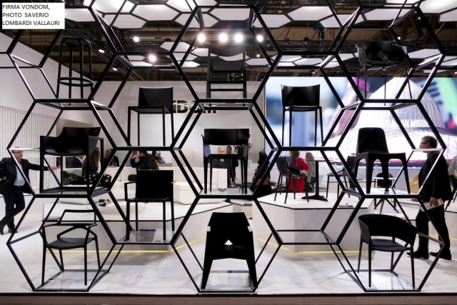 impressionen 56 m belmesse mailand 2017. Black Bedroom Furniture Sets. Home Design Ideas