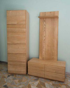 Dielenmöbel aus Eschenholz