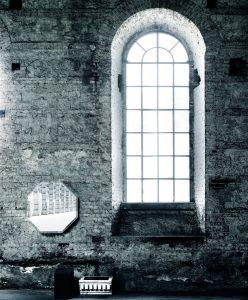 PRISM-mirror-closet-glas-italia