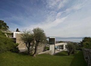 Fast@Villa_Gardasee aussenbereich_7