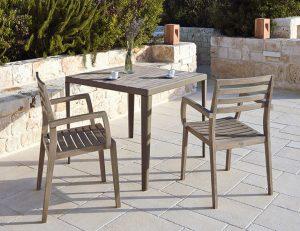 Stella-Holzstühle-teak-ethimo-outdoor