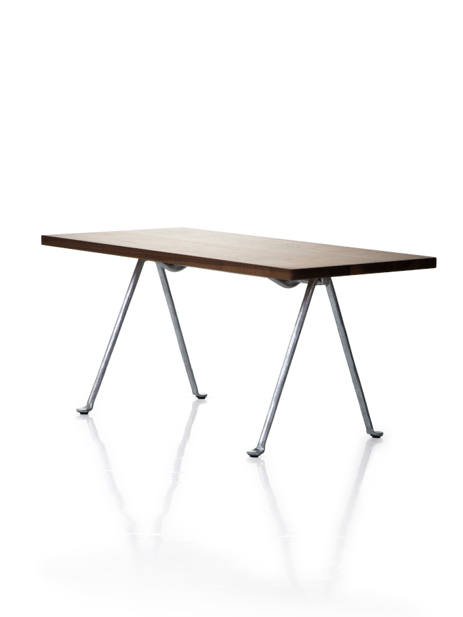 Officina_low_table_2-magis-mailand-2019
