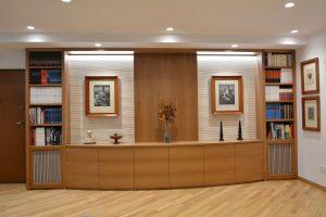 bibliothek-boiserie-in-legno-interiors