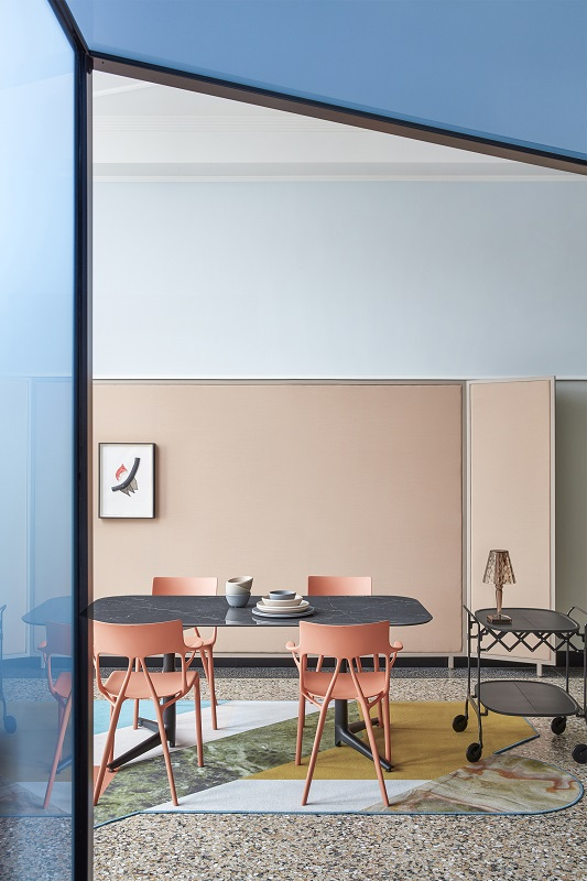 02_Kartell_A.I.-ambiente-1