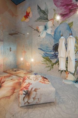 Instabilelab_Custom-me_4 dekorative Wandtapete Badezimmer Ambiente inspirationen einrichten Traumbad-min