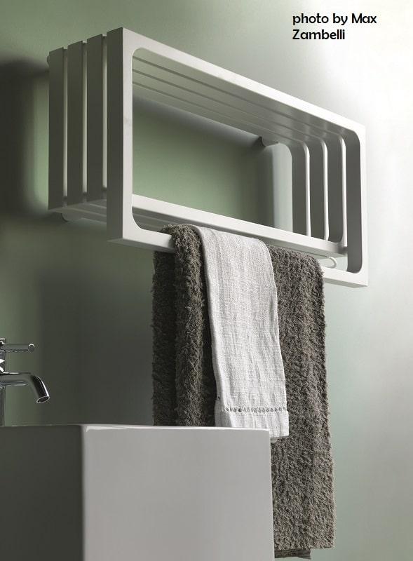 Tubes_Montecarlo_ph.Max_Zambelli_2 dekorative Heizkörper Design-Heizobjekte Badezimmer Ambiente inspirationen einrichten Traumbad-min