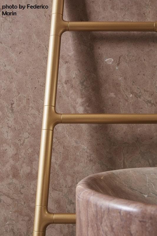 Tubes_Scaletta_photo_by_FedericoMarin_2 dekorative Heizkörper Design-Heizobjekte Badezimmer Ambiente inspirationen einrichten Traumbad-min