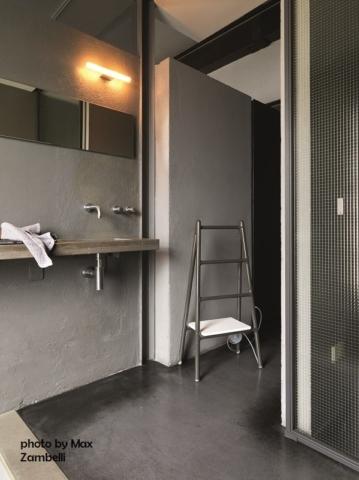 Tubes_Scaletta_photo_by_MaxZambelli dekorative Heizkörper Design-Heizobjekte Badezimmer Ambiente inspirationen einrichten Traumbad-min