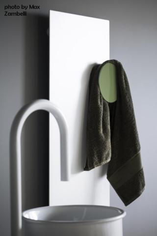 Tubes_Square_ph.Max_Zambelli_2dekorative Heizkörper Design-Heizobjekte Badezimmer Ambiente inspirationen einrichten Traumbad-min