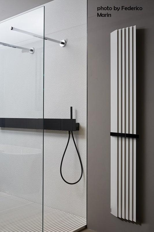 Tubes_Step-by-Step_photo_by_FedericoMarin dekorative Heizkörper Design-Heizobjekte Badezimmer Ambiente inspirationen einrichten Traumbad-min