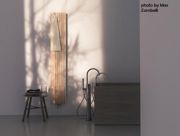 Tubes_Step-by-Step_photo_by_Max_Zambelli dekorative Heizkörper Design-Heizobjekte Badezimmer Ambiente inspirationen einrichten Traumbad-min